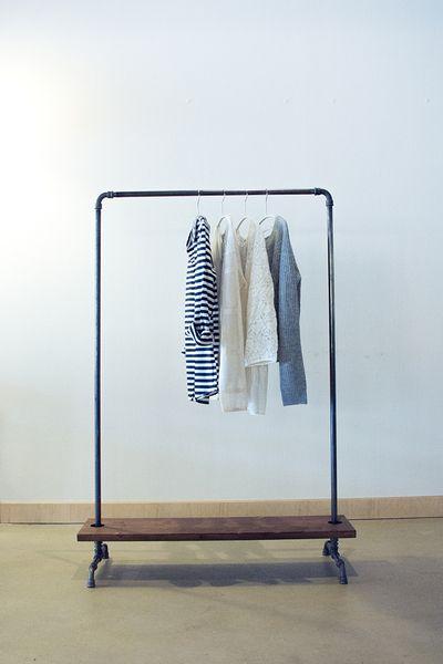 """Garderoben - Kleiderstange """"Industry"""" mit Schuhablage 1,0 m - ein Designerstück von fireandsteel bei DaWanda"""