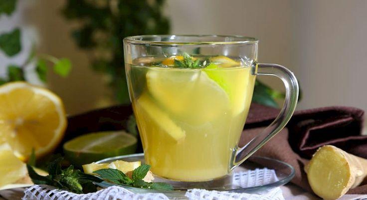 Kurkuma jest jedną z najpopularniejszych i najzdrowszych przypraw na świecie. Miód jest jednym z najstarszych i najzdrowszych słodzików, a woda z cytryną jest zdrowym napojem, który stymuluje nasze zdrowie. Nie ma wątpliwości, że te składniki są zdrowe, a ich połączenie tworzy bardzo mocny napój wspomagający nasz organizm i zdrowie.