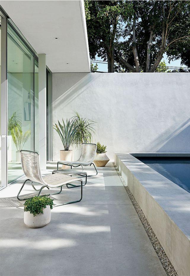 De líneas limpias y generada alrededor de un patio es The Row ; la boutique en Los Ángeles de Mary-Kate y Ashley Olsen, obra de Courtney Ap...
