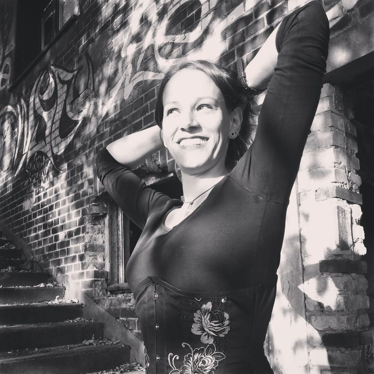 Perfect smile:) #hilaryswank #smile #corset #steampunk