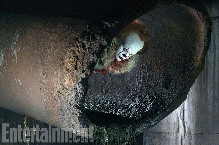 The newest photo of Pennywise from Stephen King's It remake premieres!