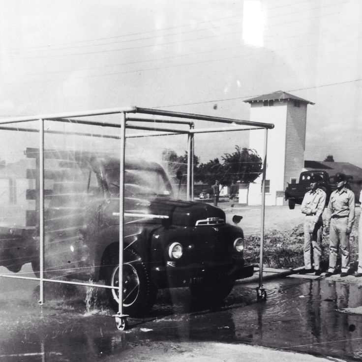 photo of a car wash circa 1940s at an army base in amarillo