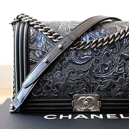 :tooled Chanel bag...amaze balls: