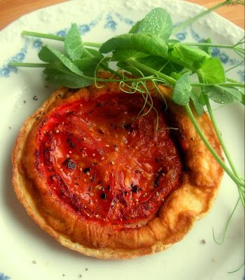 Herkkusuun lautasella-Ruokablogi: Tomaattimunakkaat