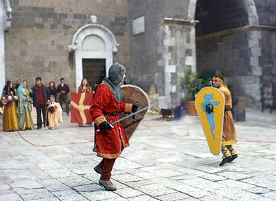 Duello in costume medioevale