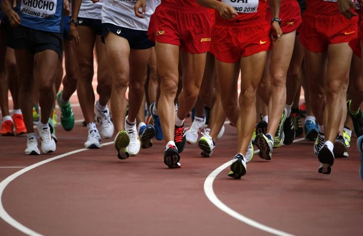 Athletes compete in the men's 20 km race walk final during the 15th IAAF World Championships at the National Stadium in Beijing, China August 23, 2015. REUTERS/David Gray