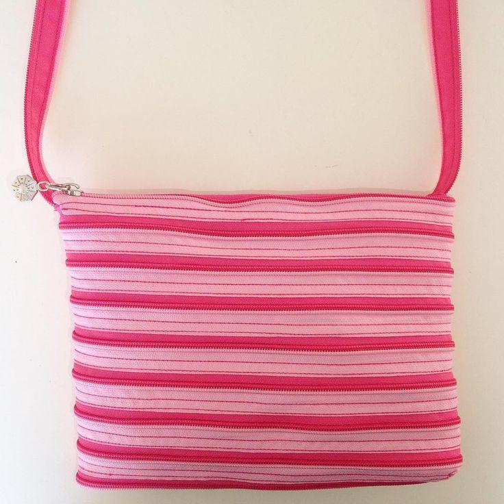Çanta, fermuar çanta, piramit çanta, pembe çanta, çapraz çanta, yaz modası (20 tl) : https://www.instagram.com/tasarimcanta_