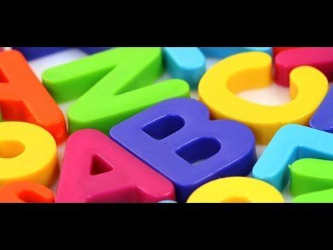 Leer het Nederlandse alfabet. Voor kinderen op een speelse manier gebracht met plaatjes en muziek. Veel plezier!