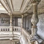 Colonnes du deuxième étage en TTHDR du château de Bonnelles