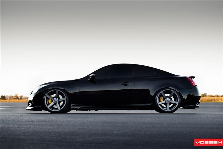 Infiniti G37S Coupe with Vossen CV3 wheels