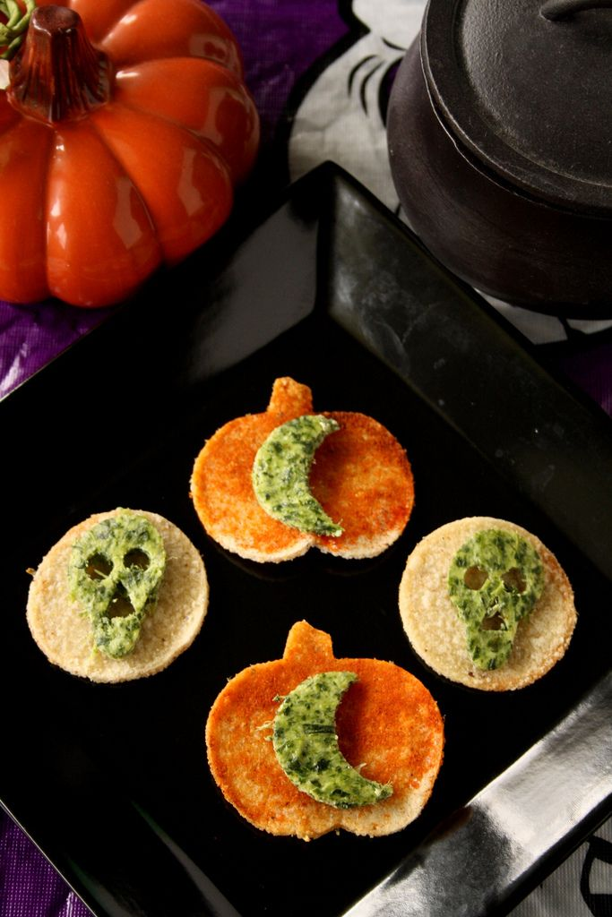 Martha Stewart's Halloween Spinach Ricotta Skulls were not easy to make! As a result, I got creative and made some moons instead. Tasty, magical and delicious!