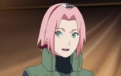 Sakura Haruno (春野サクラ, Haruno Sakura) es uno de los personajes principales de la serie, siendo una gran amiga de Naruto Uzumaki. Es una kunoichi de nivel Jōnin y miembro del Equipo Kakashi. A partir de la Parte II y después de su entrenamiento con Tsunade, se convierte en una Ninja Médico. Eventualmente se convirtió en la esposa de Sasuke Uchiha y en madre de Sarada Uchiha. Sakura tiene el pelo de color rosa brillante, grandes ojos verdes y piel blanca. De niña, con frecuencia fue blanco…