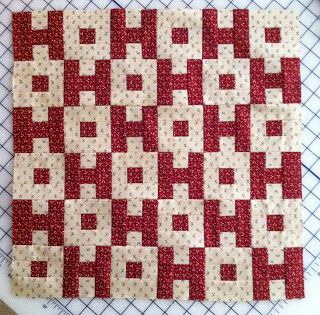 INSPIRED BY ANTIQUE QUILTS   . cool christmas quilt. already says ho,ho ho.........