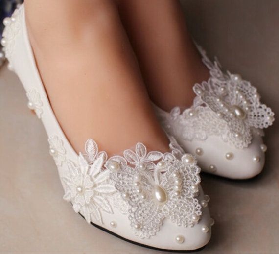 Flat Wedding Shoes Lace Bridal Shoes Butterfly Clip by Cocoangelly