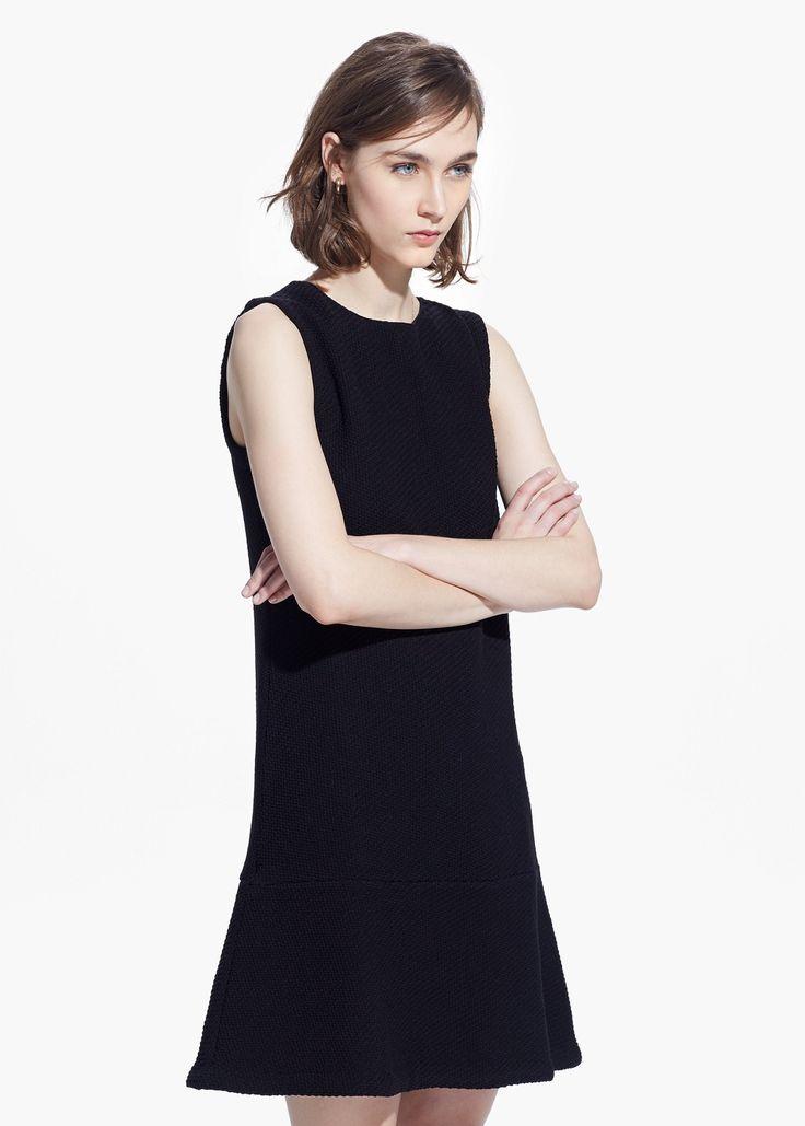 Strukturiertes Kleid, Volantsaum