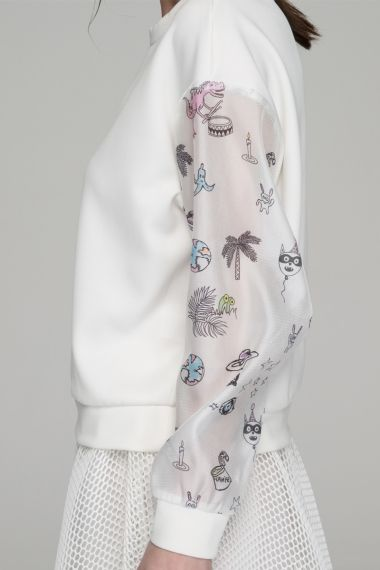 Top with contrast sleeves in cartoon print - FrontRowShop