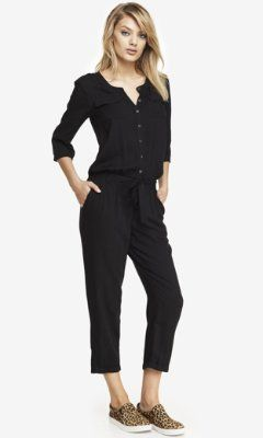 Loving the comfy/stylish jumpsuit with those leopard shoes ...