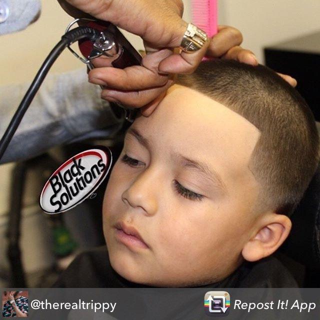 Repost from @therealtrippy - Throwback Thursday  #therealtrippy #barber #beard #barberlife #barbershop #barbershopconnect #blacksolutions #irvingbarberco #tonsorialartist #creations #orangecounty #ochair #jumpman #faded #razor #mensgrooming #haircut #hairstylist #santaana #southcoastplaza #irvine #costamesa #clippers #equinox #themarke #genbook #kymmscreations #newportbeach #international #johnwayneairport