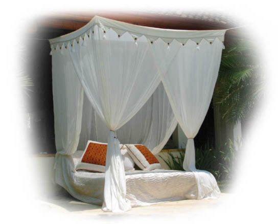 les 25 meilleures id es de la cat gorie moustiquaire lit sur pinterest moustiquaire de lit. Black Bedroom Furniture Sets. Home Design Ideas