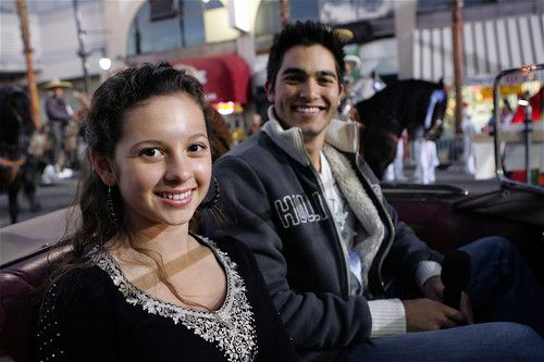 74th Annual Hollywood Christmas Parade - Mackenzie Rosman Photo (34571055) - Fanpop