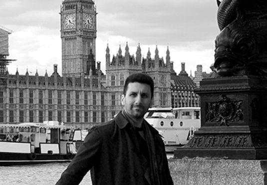 O #Δημήτρης_Αγαθοκλής στο Εργαστήρι του συγγραφέα --------------------------------------------- #writer #book #author #poem http://fractalart.gr/dimitris-agathoklis/