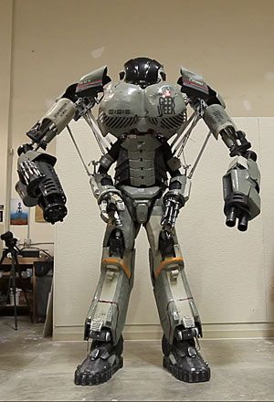 Stan Winston School and Legacy Effects: The team had just 24 days to build the 9.5-foot-tall, human-controlled mechanized suit with cameras and speakers. To create its face, Legacy Effects lead systems engineer Jason Lopes chose Digital ABS material on an Objet Connex500 multi-material 3D Printer.