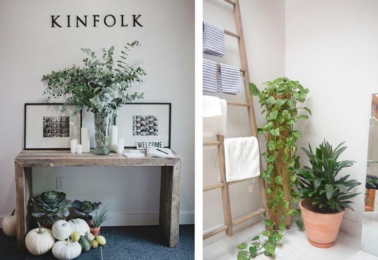 офис kinfolk, квасивые офисы, офис open-space, офис в стиле минимализм, офис в скандинавском стиле, креативный офис, деревянные столы, потолочные балки, интерьер офиса