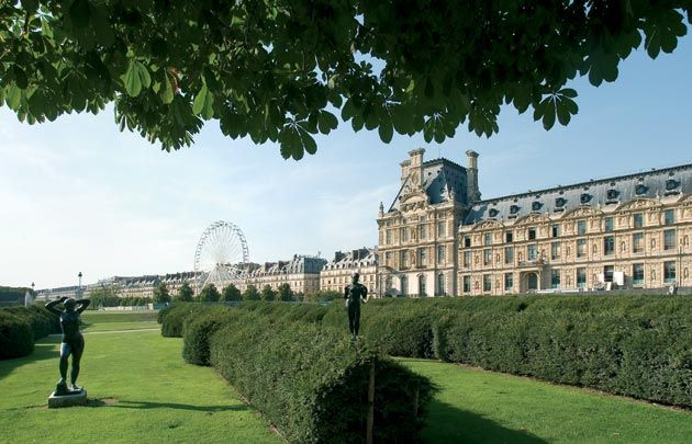 Jardin des Tuileries - The Tuileries Gardens get their name from the tile factories which previously stood on the site where Queen Catherine de Medici...
