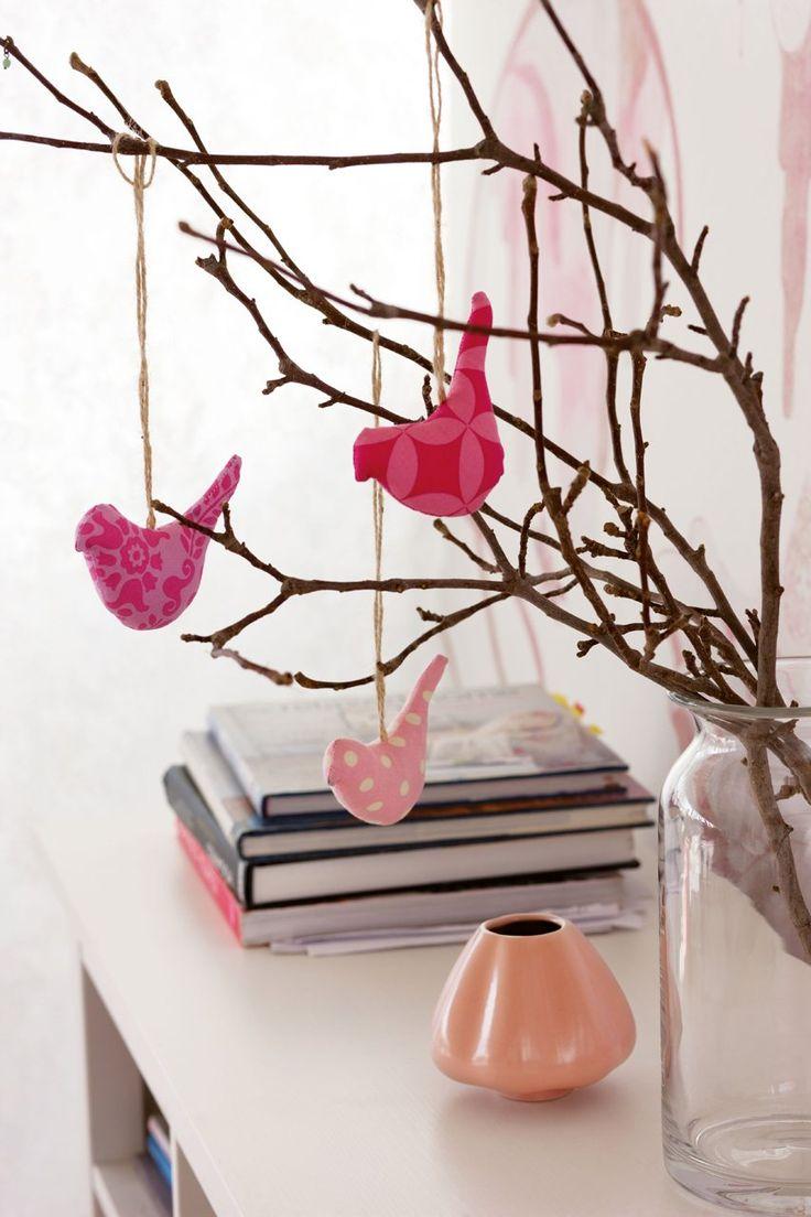 Inspiración natural  En unas ramas, una guirnalda o una puerta. Estos pájaros pondrán una nota alegre allí donde estén. Dibújalos en el reve...