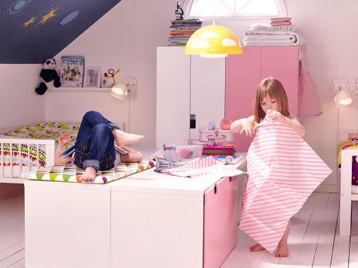 Комната двух девочек, но со своим уголком для каждой