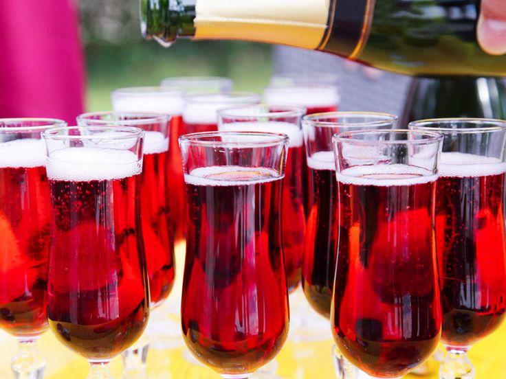 Fördrink med glögg, blåbär, ingefära och mousserande