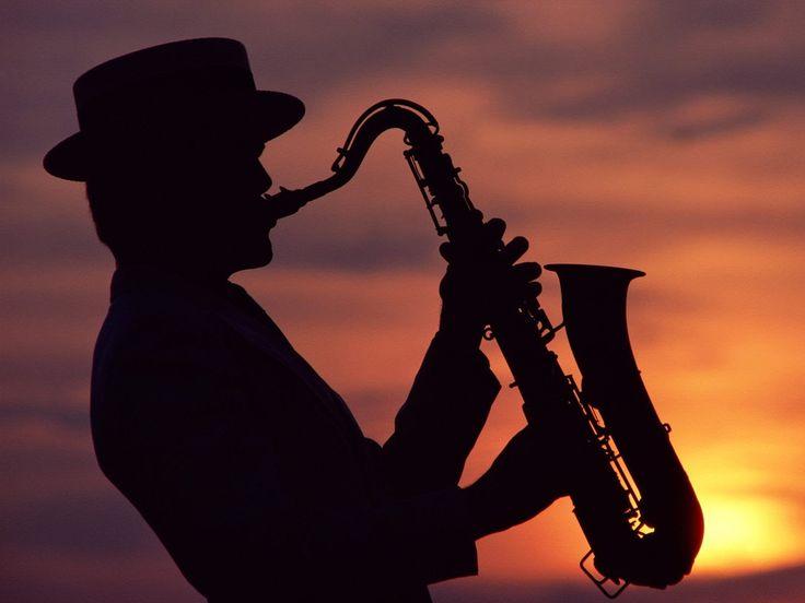 Мелодия для души. В одинокой ночи саксофон! In the lonely night saxophone!