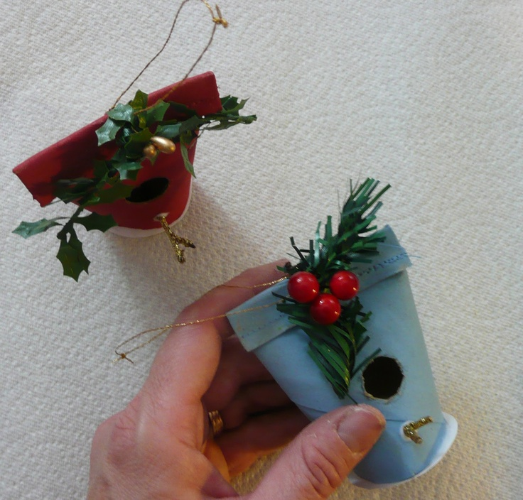 How To Make A Christmas Birdhouse Ornament With A Toilet
