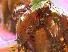 Carciofi alla Roma - Recettes de légumes de printemps, asperges, artichaut, concombre - Pour 4 personnes Préparation : 10 min Cuisson : 14 min Ingrédients 8 artichauts ½ tasse d'eau ½ tasse d'huile Ail et persil Sel, poivre Voir la suite de la recette
