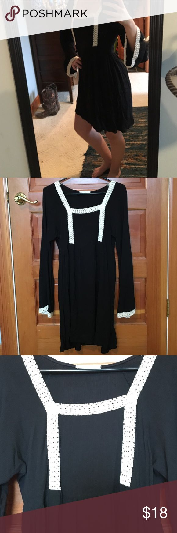 Country Outfitter Dress So cute and flowy! 100% Raylon, never worn! Dresses Mini