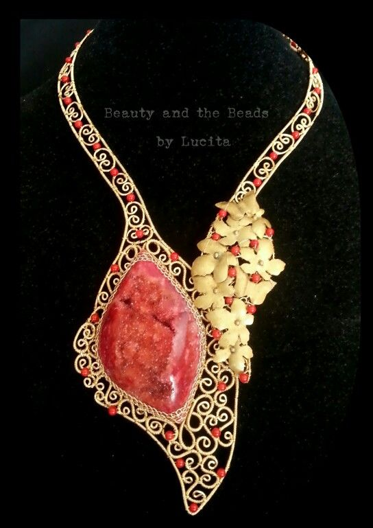 Filigree colar necklace with red druzy