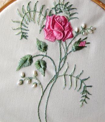 Brazilian Embroidery Tutorials http://through-the-hoop.blogspot.com/2008/04/brazilian-embrodiery.html