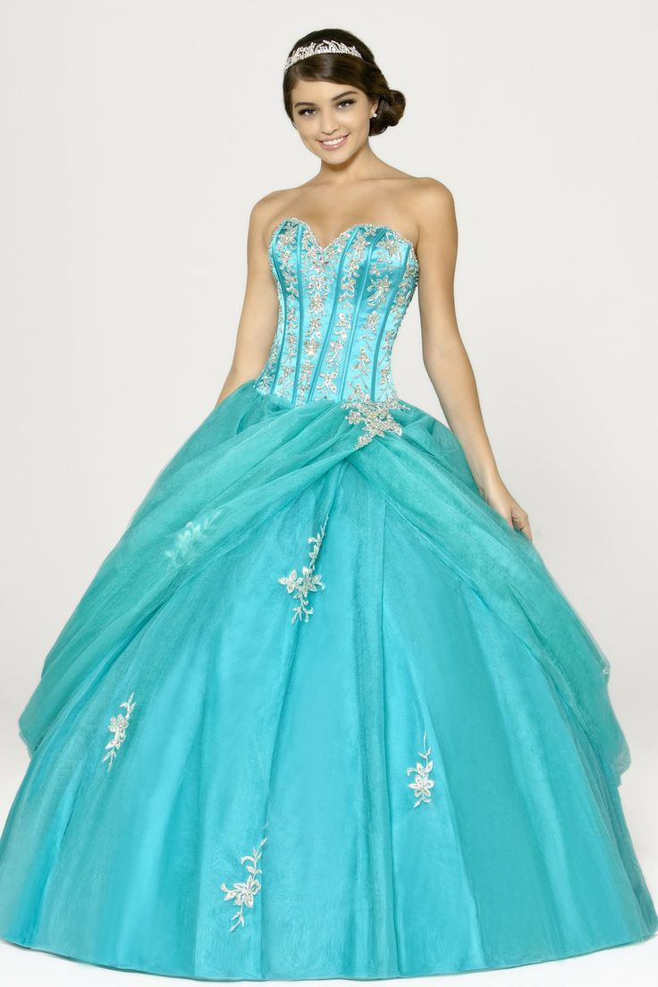 38 best Quinceanera images on Pinterest | Ballroom dress, Dress prom ...