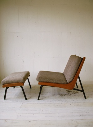 ottomans for all the things / boomerang chair ottoman by truck furniture in japan.