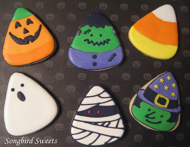 1 cutter many cute designs great for eastons birthday halloween sugar cookieshalloween cupcakeshalloween candyhalloween bakinghalloween