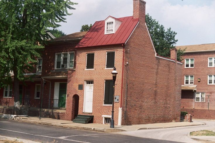 Baltimore's connection with Edgar Allan Poe is undeniable. The disturbed author called Baltimore home for many years, his literary career started there, and he ultimately passed away under mysterious circumstances in a Baltimore hospital back in 1849. The little house at 203 Amity street (originally No. 3 Amity) was presumably built around 1830 for Charles Klassen.