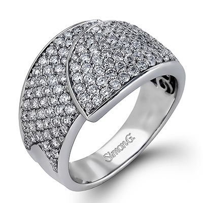 Caviar Collection - This gorgeous 18K white ring is comprised of 1.47ctw round white Diamonds. - DR296