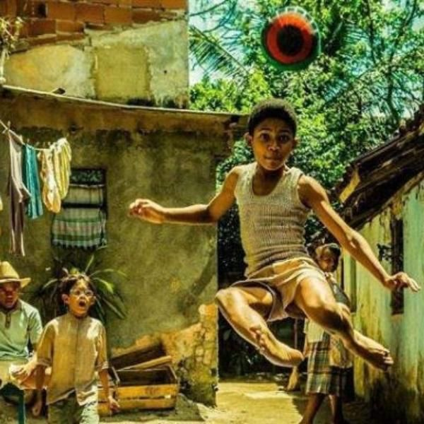 ¡Ya llega la película del 'rey del fútbol'! Difunden imagen de la película que relatará la vida del mítico Pelé.