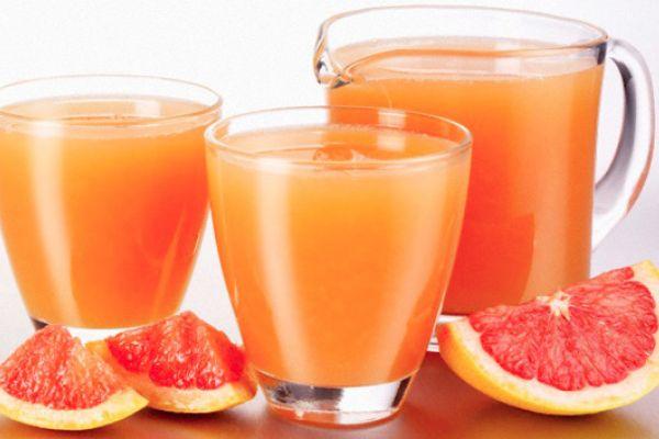 El pomelo es una de las frutas más adelgazantes que podemos consumir. Este alimento se puede comer sin problema alguno y combinado con una buena dieta y ejercicios puede ser de excelente ayuda para quemar grasas. Jugo de pomelo quema grasas Ingredientes 2 pomelos. 2 naranjas. 1 remolacha. Hojas de …
