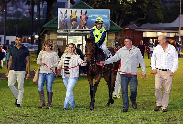 Summerhill Race Results: Greyville Polytrack 21/11/14 Race 2:MAIDEN PLATE (F & M) 1200m Winner: BRAVE AND BOLD Brave Tin Soldier (USA) x Forest Edge by Complete Warrior (USA). Bred By: Pizazz Racing   Gold Circle Photo  www.summerhill.co.za