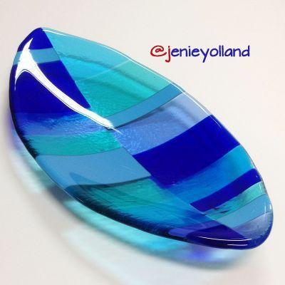 jenieyolland.com lovely blue aqua and turquoise art glass platter.