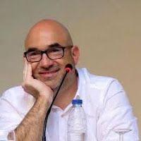 Entre montones de libros: Entrevista a Jordi Llobregat