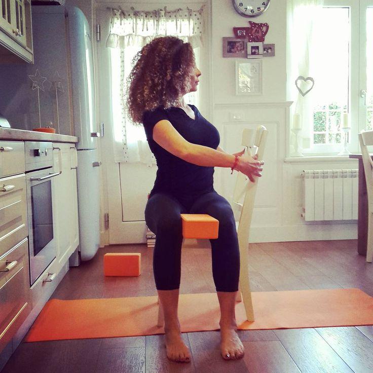156 Best Yoga En Silla Images On Pinterest