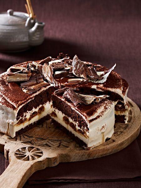Ein Stück Schokoladenkuchen kann die Welt verändern! Wir backen unwiderstehlichen Schokoladengenuss und verführen Sie mit 17 köstlich schokoladigen Rezepten.