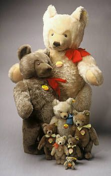 Steiff-Tiere und Steiff - Teddybären sammeln Erinnerungen an Kindertage von Günther Pfeiffer: http://www.sammler.com/spielzeug/steiff-tiere.htm